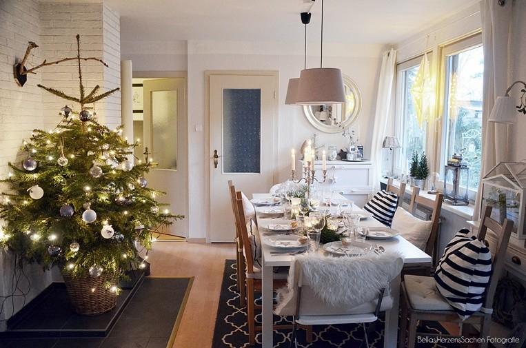 geschmücktes Esszimmer Weihnachten