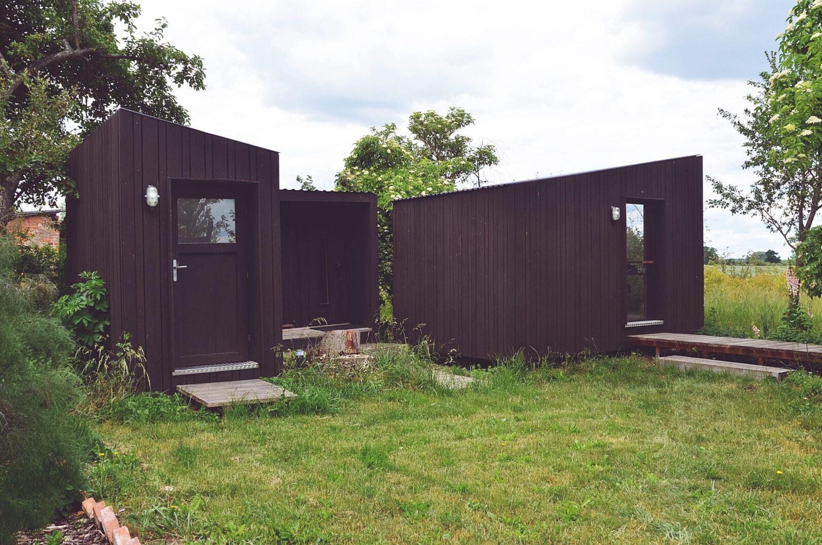 Black_Cabin