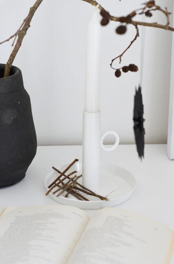 Kerzenhalter aus Metall weiß